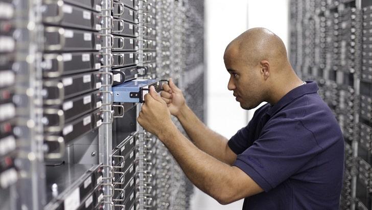 hoe-strato-zorgt-voor-veiligheid-van-je-server